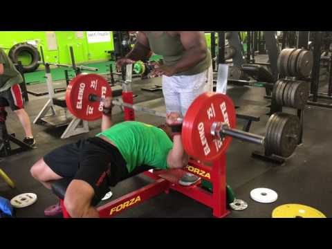 Powerlifter does bodybuilder training S1E9