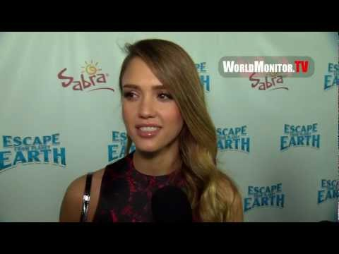 Jessica Alba interviewed at 'Escape From Planet Earth' Los Angeles Premiere