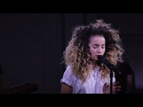 Ella Eyre: Deeper (acoustic live at Nova Stage) Mp3