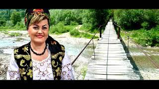 Descarca Crina Horincar - Greu ii puntea de trecut - Colaj cantece de petrecere