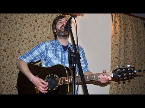 Mark Morriss of The Bluetones, performing 'Slight Return' 7 March 2015, Llanymynech. mp3