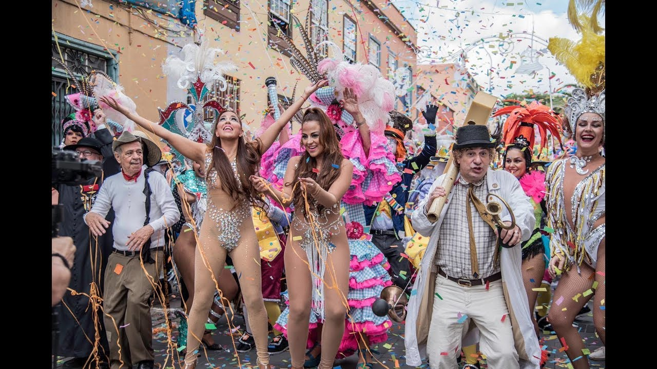 """CONTINUA EL ANTICICLÓN CHICLE PEGADO A NOSOTROS Sol con algunas nubes decorativas con posibilidad de alguna niebla. Fresquito de buena mañana y calor al mediodía. Y llegó el caraval....Y vamos a celebrarlodesde Canarias con """"K-Narias"""", un grupo de música reggaetón formado por Gara y Loida, hermanas gemelas nacidas el 12 de enero de 1985 en Santa Cruz de Tenerife, Islas Canarias, España. K-Narias se identifica con el género urbano, música que proviene de la """"calle"""". ¡Feliz Carnaval!"""