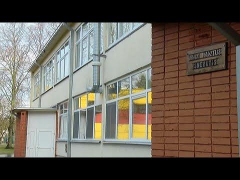 Kauno darželio auklėtoja įtariama rišusi vaikus lipnia juosta