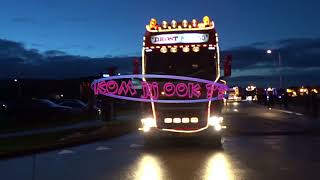 Kerstmarkt Nieuwleusen - verlichte trucks
