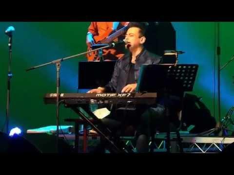 Adnan Sami LIVE in Perth (Chain mujhe ab aaye na and Dholak Fun)