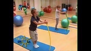 Сколиоз. Какие упражнения помогут избавиться от болей в спине? Воспитание детей. Мамина школа(Передача