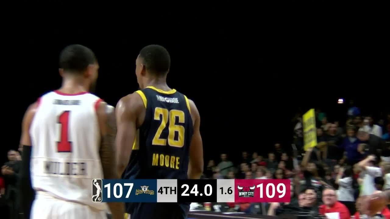 Ben Moore Posts 18 points & 12 rebounds vs. Windy City Bulls