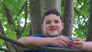 Kid gets locked in treehouse (RAGE)