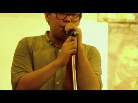 Yolanda Moon - Path (live @ Black Soup Cafe)