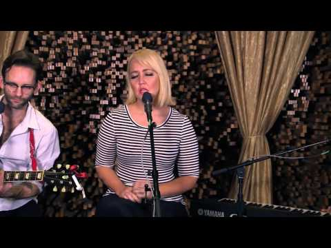 Meghan Linsey - Girl Crush  | Hear and Now | Country Now