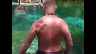 Владимир Сычев (Псих из сериала Физрук) искупался в Голубом озере