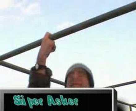 Super asker barfiks cekiyor