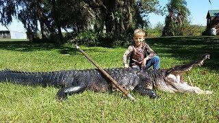 Bé trai 8 tuổi bắt cá sấu dài 11 foot