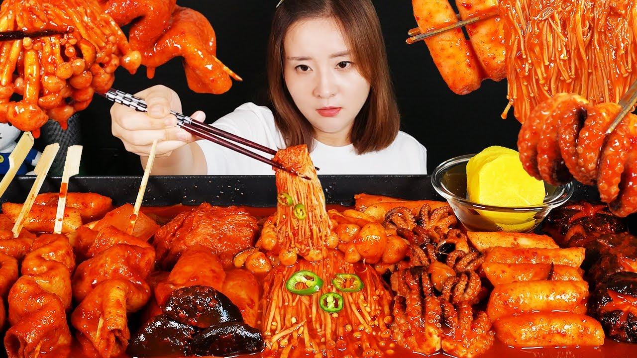 요리 먹방 :) 매콤한 불닭 소스에 주꾸미와 버섯을 넣은 떡볶이와 어묵 | ASMR MUKBANG.