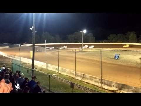 Shelby McLaughlin's (10 years old) beat the boys at Hamlin Speedway