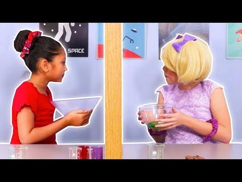 Twin Telepathy Challenge 👯 Esme Vs. Isabella - Magic Potion - Princesses In Real Life | Kiddyzuzaa