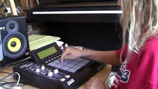 Repeat youtube video Diana (10 years old) shows her MPC skills
