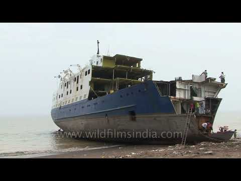 Alang - South Asia's graveyard of ships