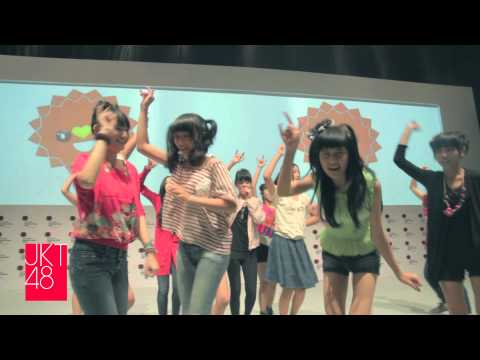 ‪JKT48 live performance: Popcon Asia, Jakarta Convention Center - digest [06.29.2012]