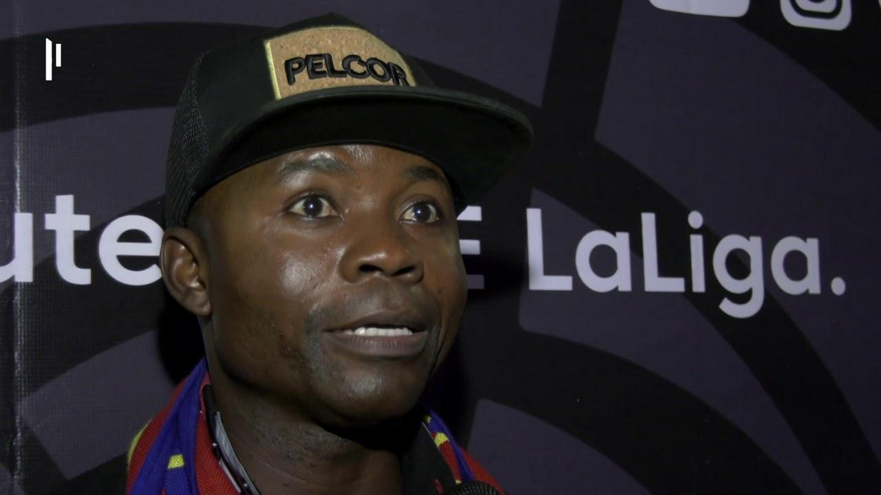 Angolanos desfrutam do Clássico Barça Vs Real - YouTube