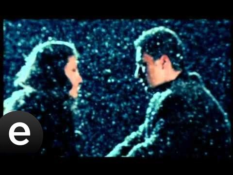 Gözlerin Hala Benim Mi (Sema) Official Music Video #gözlerinhalabenimmi #sema - Esen Müzik