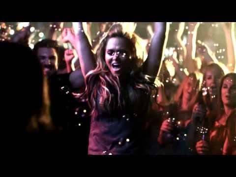 Drivin N Cryin - Detroit City music video