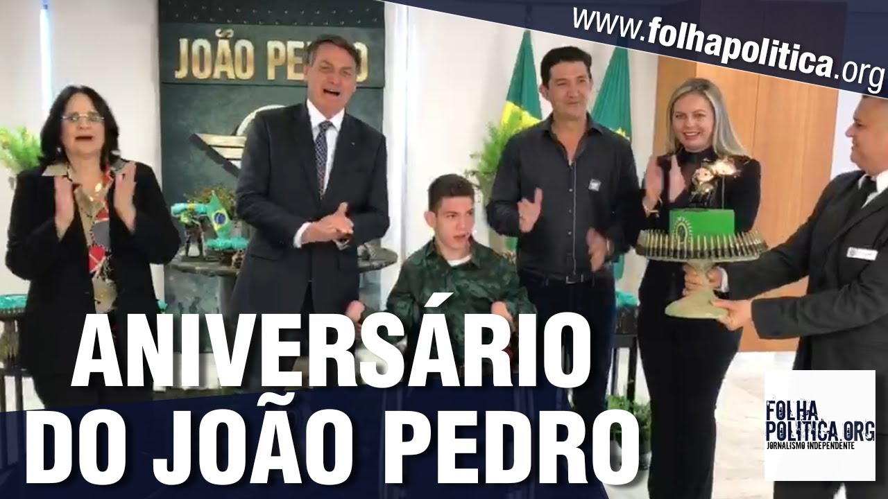 Bolsonaro faz festa de aniversário para jovem especial que gostaria de servir o Exército