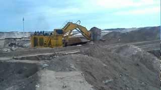 Komatsu PC-8000 at Kearl Oil Sands loading a CAT 793