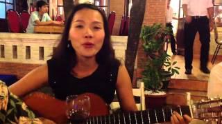 Quynh scarlett - Tôi ru em ngủ (chơi guitar và hát)