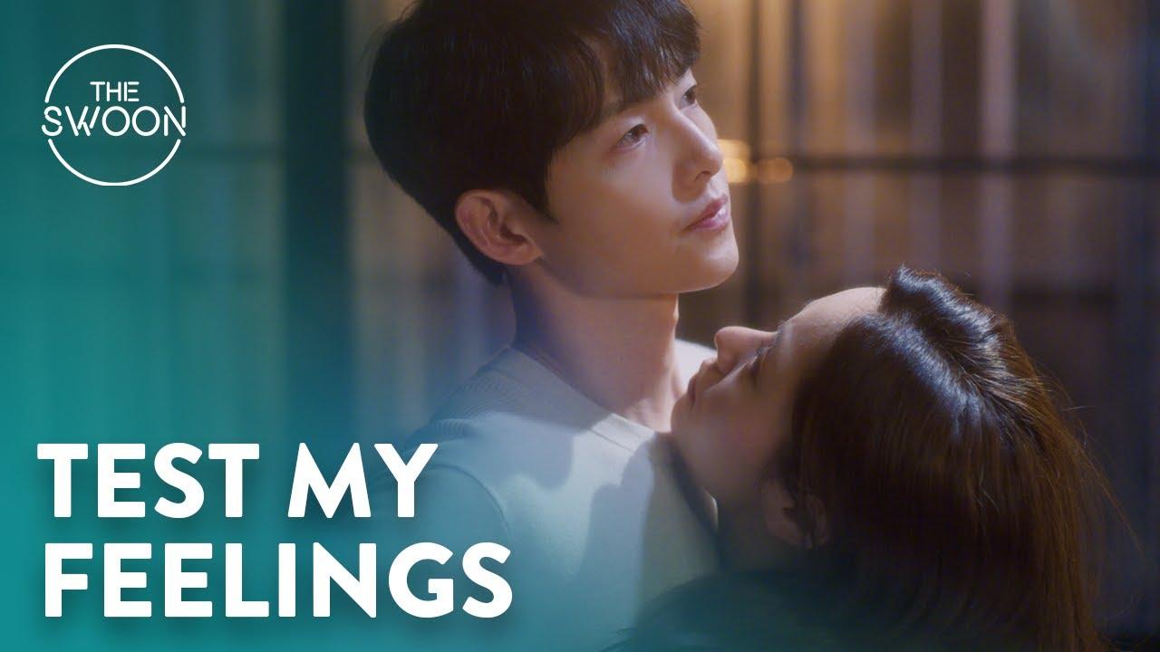 Download Jeon Yeo-been tests her feelings for Song Joong-ki with a hug   Vincenzo Ep 11 [ENG SUB]