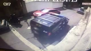 Fuerzas de la DGCIM hostigando  hogar de Tomás Guanipa thumbnail