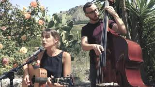 Hitched in France - ToLi acoustic wedding duo
