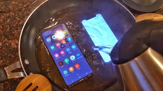 Samsung Galaxy S20 Plus vs iPhone 11 Pro HOT WATER TEST! 🔥💧