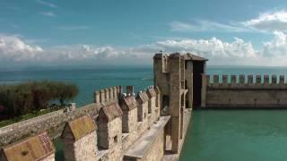 Sirmione Gardasee (Full-HD)(Sirmione ist eine Ortschaft mit 8000 Einwohnern in Italien und liegt am Südufer des Gardasees am Ende einer malerischen, vier Kilometer in den See hinein ..., 2010-10-30T01:06:11.000Z)