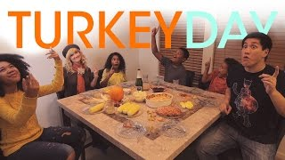 Thanksgiving Song for Kids - Turkey Day | Panther and Bunnycat