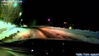 Падение метеорита в Мурманске (подборка видео)(Падение метеорита в Мурманске (подборка видео). На Кольском полуострове местные жители наблюдали падение..., 2014-04-19T20:03:39.000Z)
