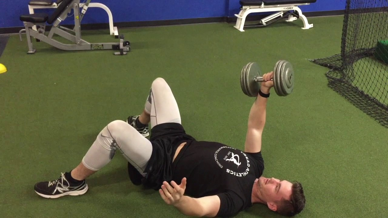 Single Arm Dumbbell Floor Press - YouTube