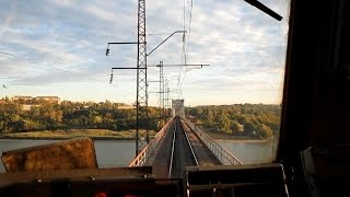 Из кабины электровоза ВЛ80С по мосту через р. Дон(Следование по железнодорожному мосту через р. Дон из кабины электровоза ВЛ80С-246/508 (приписан ТЧЭ-4 Лиски-Узло..., 2015-01-19T13:30:04.000Z)