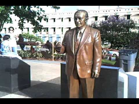President Obama Puerto Rico Statue Positon Next Pres