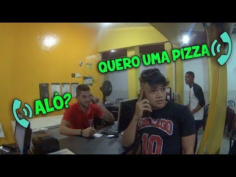 PEDINDO PIZZA DE FRENTE AO ATENDENTE PELO CELULAR  #QMÉVC
