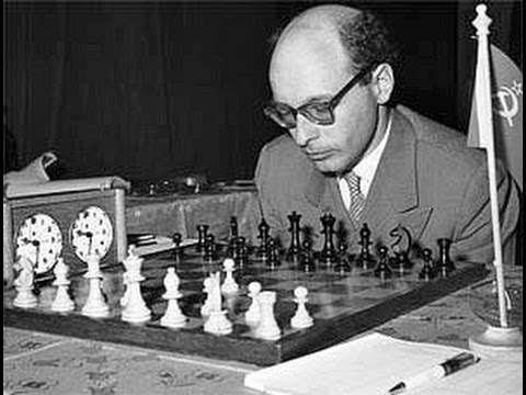 David Bronstein pulled off a stunning back rank checkmate tactic over Vladas Mikenas in 1965.