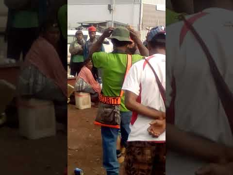 PNG Fights 2017 (Engan brothers fighting over a K10)