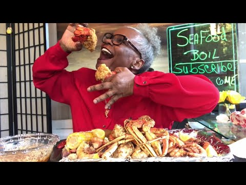 SEAFOOD BOIL MUKBANG   WARNING  MESSY EATING SMACKING SOUNDS  OTHER NOISES AND MESSY EATING