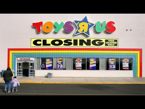 Toys R Us Liquidating US Stores