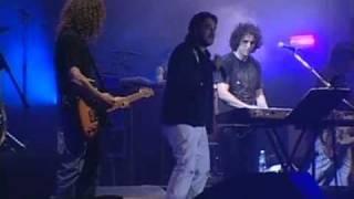 Vasos Vacíos -Andrés Calamaro & Vicentico- En vivo Made in Argentina 2005.