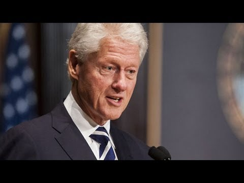 Bill Clinton Gives First of Lecture Series at Georgetown
