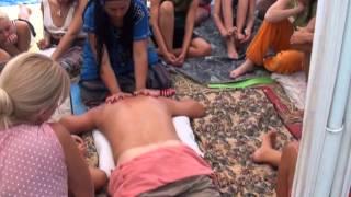 Классический массаж спины. Работа телом. 1 серия