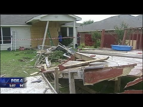 Car crashes into Arlington house