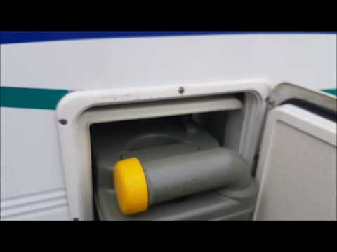 MOTORHOME TOILET EMPTYING AND CLEANING