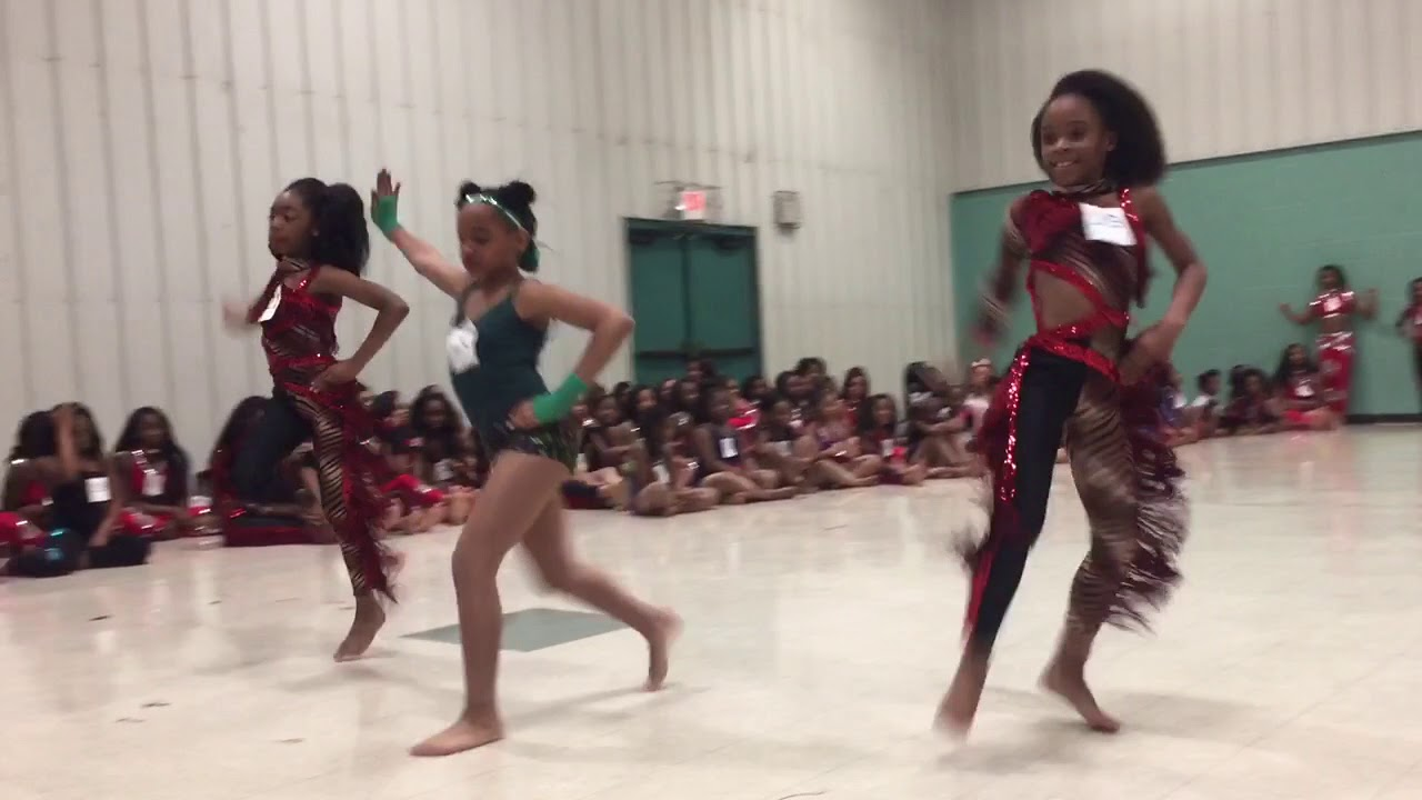 Dolls Dancers